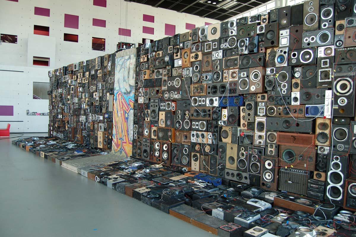 Beno 238 T Maubrey 187 Speakers Wall